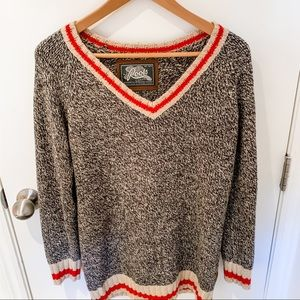 Roots Cabin sweater in grey with a red stripe